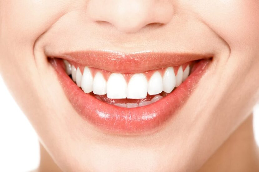 BENEFITS OF HAVING WHITE TEETH AT ADVANCED WHITE